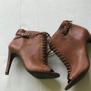 Jessica Simpson open toe shoe